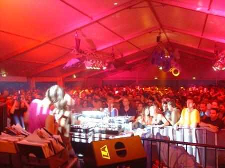 Villalobos mnml tent 2005
