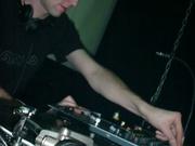 """DJ in de """"Back-zaal"""""""