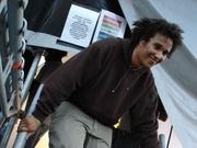 Benny Rodrigues valt van de trap (Groovetrackers DJ Gossip)