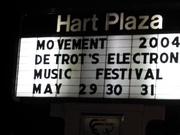 Billboard bij de ingang van het festival